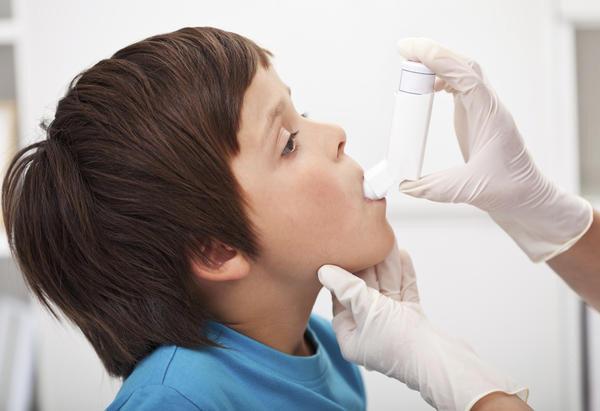 Đối phó với bệnh hen suyễn của trẻ khi đi học