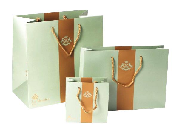 In túi giấy đẹp thay túi nilon bảo vệ môi trường xanh